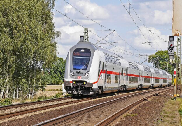 Zugbegleiter bei der Deutschen Bahn