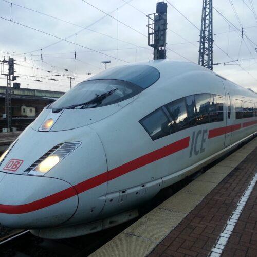 Uniformen der Deutschen Bahn